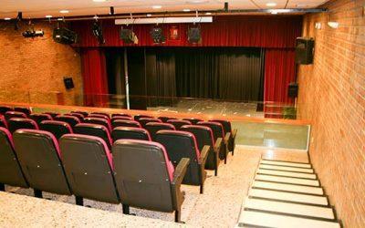 Un nuevo telón y sistema de sonido equiparán las instalaciones de la Casa de Cultura