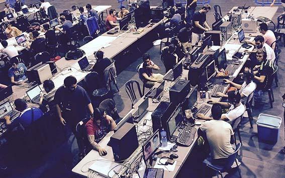 Juventud organiza la V edición de la Lan Party tecnológica en el pabellón Silvia Martínez