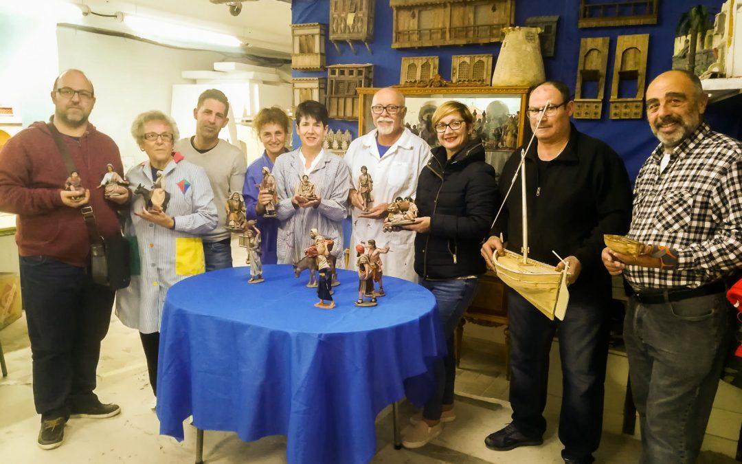 La Asociación de Belenistas incorpora nuevas figuras al belén municipal de este año