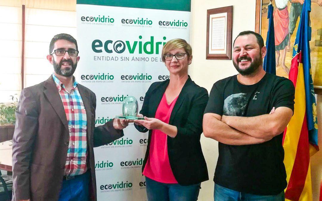 Santa Pola recibe el galardón 'Iglú Verde' por mejorar su tasa de reciclado de vidrio
