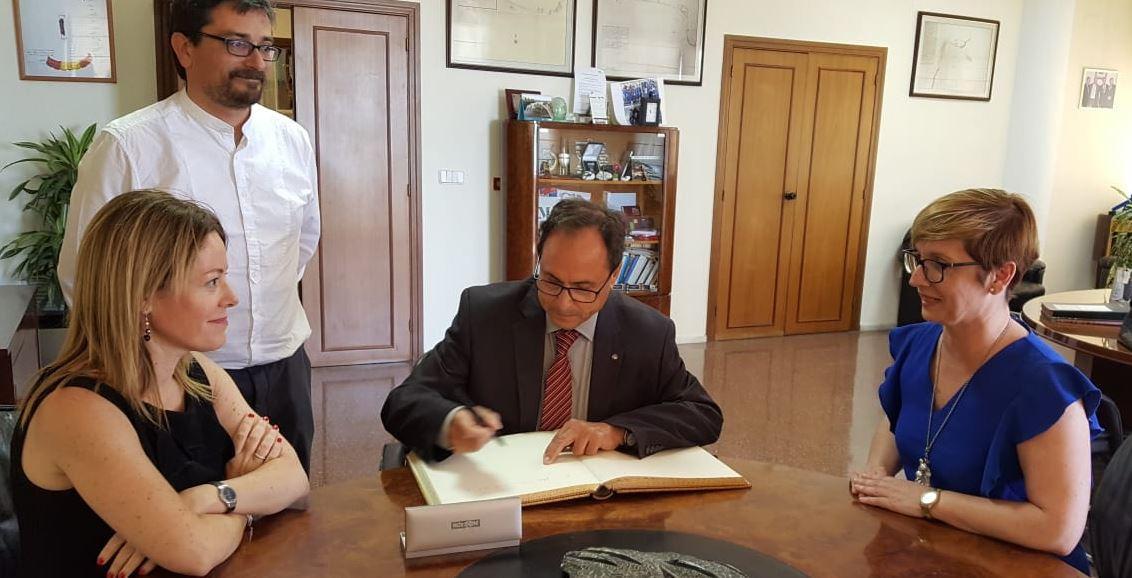 Visita del Honorable Conseller de Hacienda y Modelo Económico, D. Vicente Soler, al Ayuntamiento de Santa Pola.