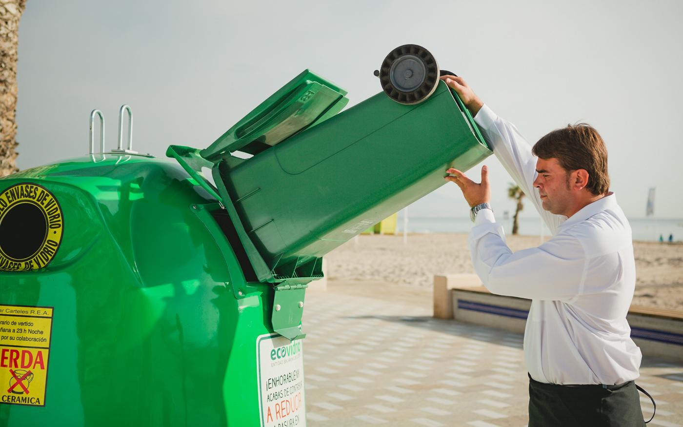 Santa Pola se une al plan integral de Ecovidrio para incrementar el reciclado de vidrio en verano
