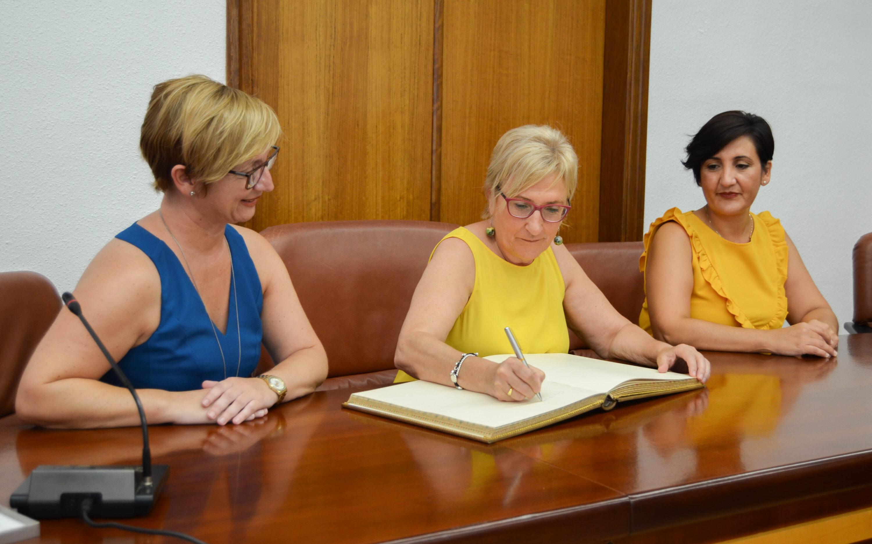 La Consellera de Sanidad, Ana Barceló, visita el Centro de Salud Integrado de Santa Pola