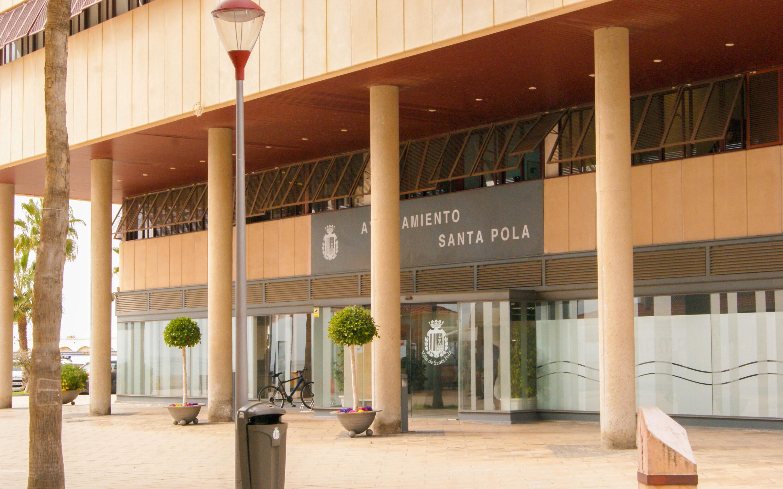 """(Castellano) Comunicado del Ayuntamiento de Santa Pola en apoyo a los marineros de la embarcación """"Nuestra Madre Loreto"""""""