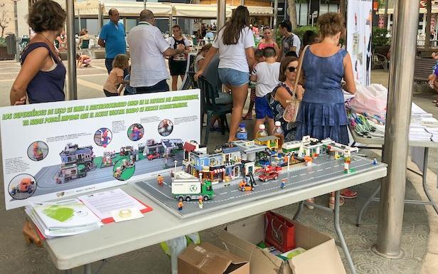 Santa Pola se conciencia sobre el reciclaje de aceite vegetal usado gracias a Aceite Solidario