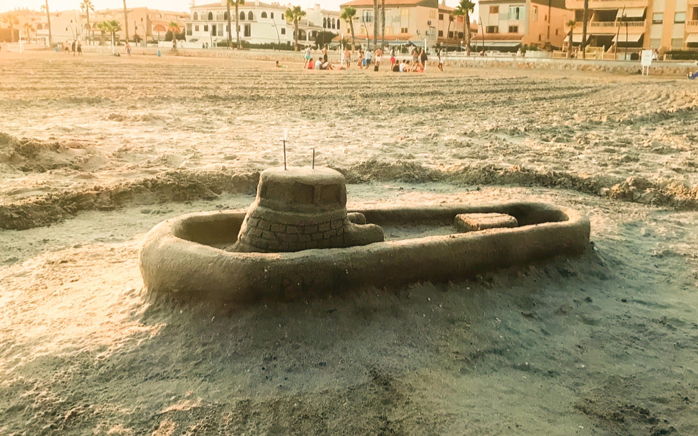 605 personas han participado este verano en el taller gratuito de esculturas de arena en las playas de Tamarit, Gran Playa y Levante