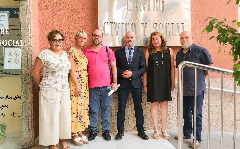 Rafael Briet, Director General d'Habitatge, visita l'oficina d'Habitatge i Mediació de Santa Pola