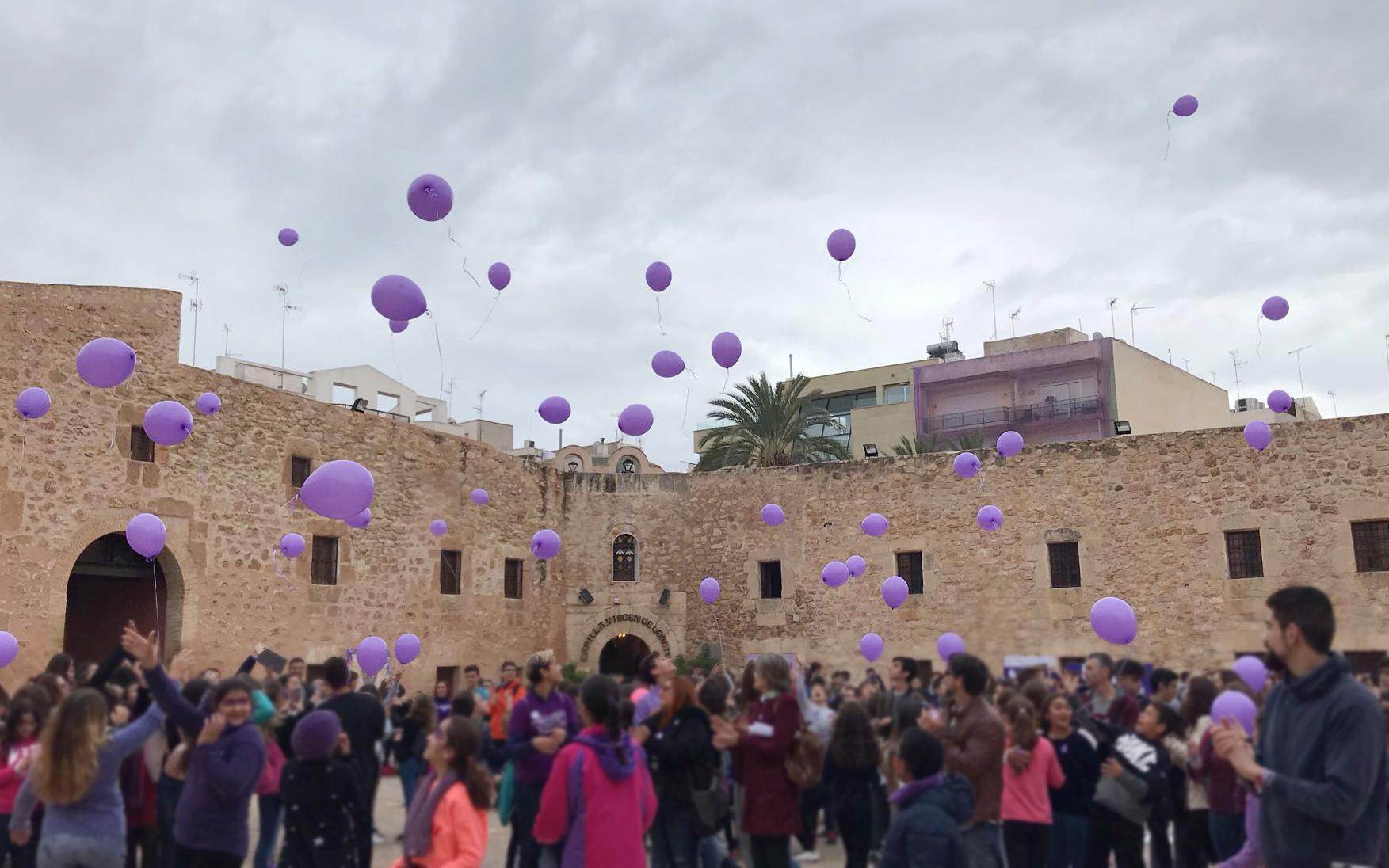 (Castellano) El Castillo Fortaleza acoge los actos del 25N rodeado de talleres, poesía y un manifiesto contra todas las violencias machistas