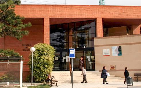 (Castellano) El Centro de Salud de Santa Pola atiende de 8 a 15 horas a las personas que quieran vacunarse sin cita previa