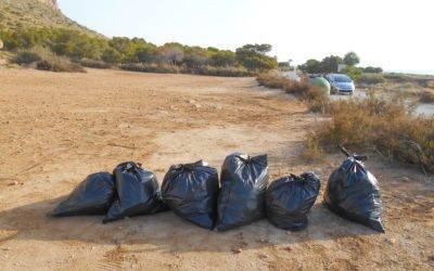 (Castellano) Ecoparques recoge 693 bolsas de basura en las pinadas y zonas costeras de Santa Pola durante 2018