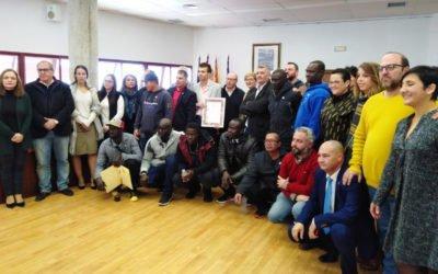 (Castellano) Santa Pola homenajea a la tripulación de Nuestra Madre Loreto y les otorga la insignia de Plata de la Villa