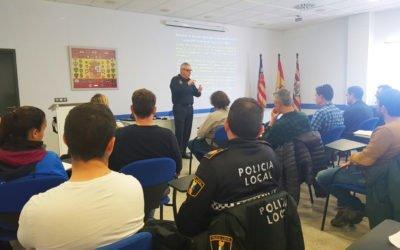 (Castellano) La Policía Local de Santa Pola acoge un curso sobre la actualización de la normativa de tráfico