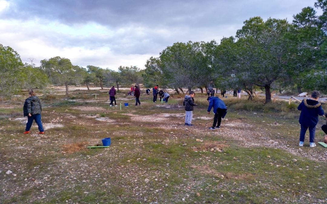 (Castellano) Desde marzo hasta junio el alumnado de los colegios de Santa Pola recibirán distintas jornadas ambientales