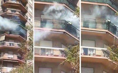 La Policía Local interviene en el incendio de una vivienda en el centro de la villa marinera