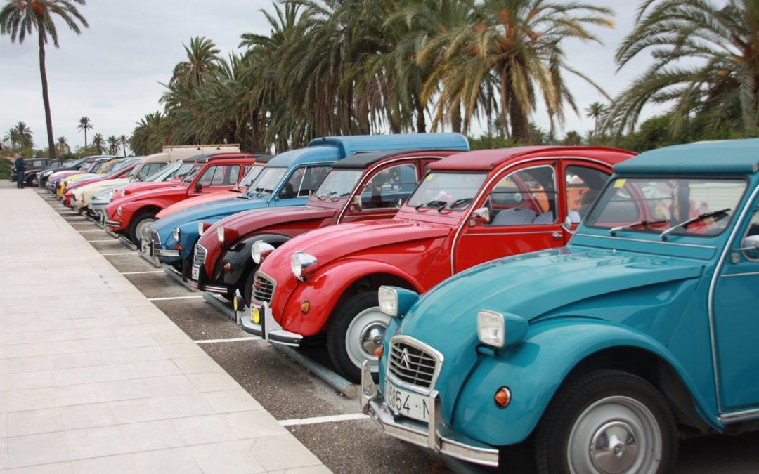 (Castellano) El IV Encuentro 2CV del Mediterráneo de aficionados al Citroën visita Santa Pola este sábado 1 de junio