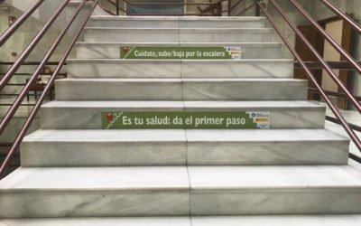 """(Castellano) """"Paso a paso por tu salud"""", el Ayuntamiento de Santa Pola se adhiere a un programa para fomentar el uso de las escaleras"""