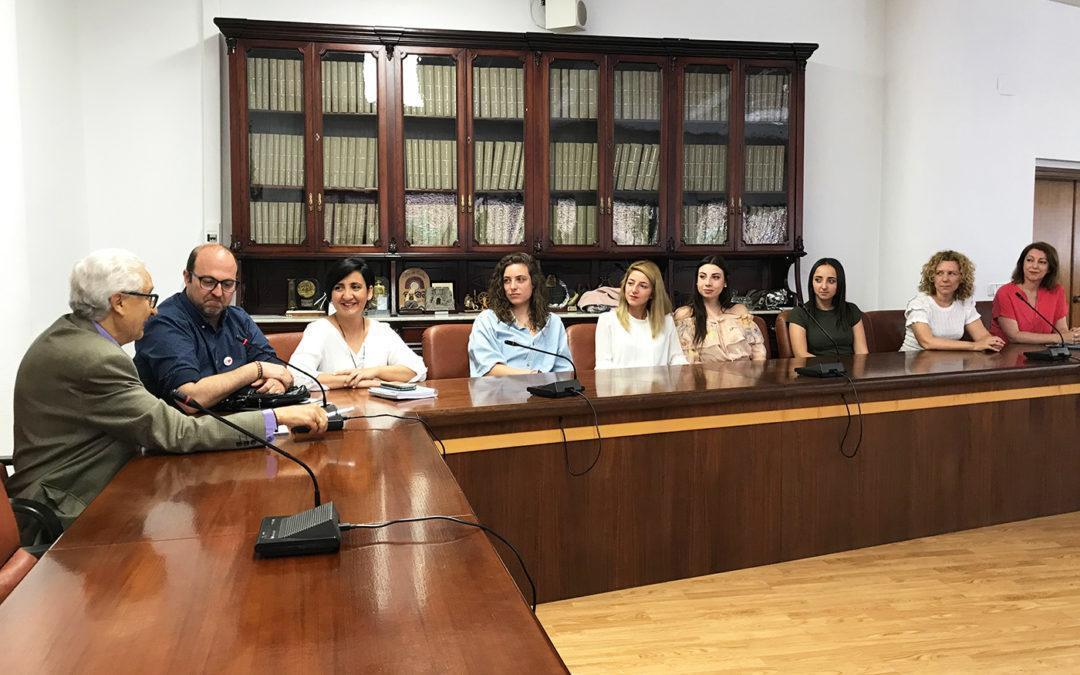 El Ayuntamiento de Santa Pola acoge a las participantes del Intercambio Juvenil en Grecia del Programa Erasmus +