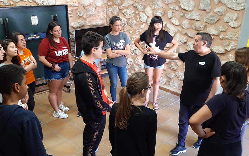 El Racó Jove de Santa Pola presenta per primera vegada l'Escola d'Estiu per a Joves