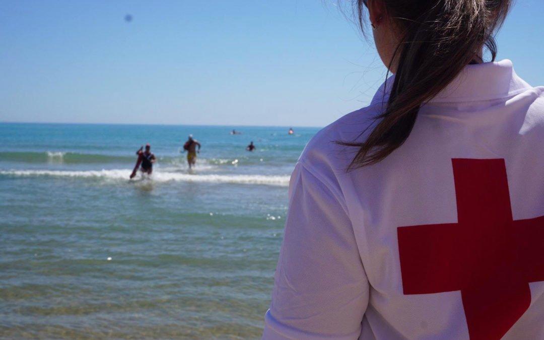 (Castellano) Cruz Roja realiza el 12 de junio las pruebas de acceso a Socorrismo en la Playa de Levante